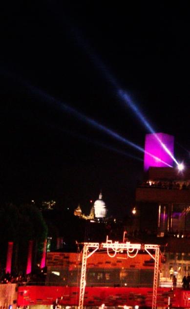 Festival Square 8a